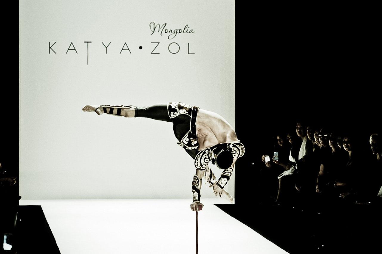 KatyaZol-acrobat1