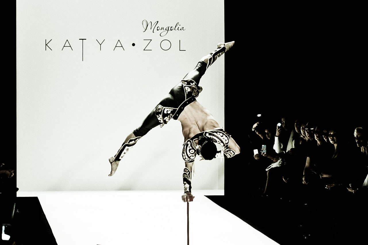 KatyaZol-acrobat2