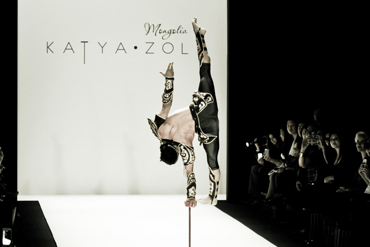KatyaZol-acrobat4