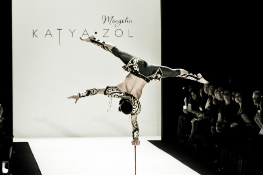 KatyaZol-acrobat5