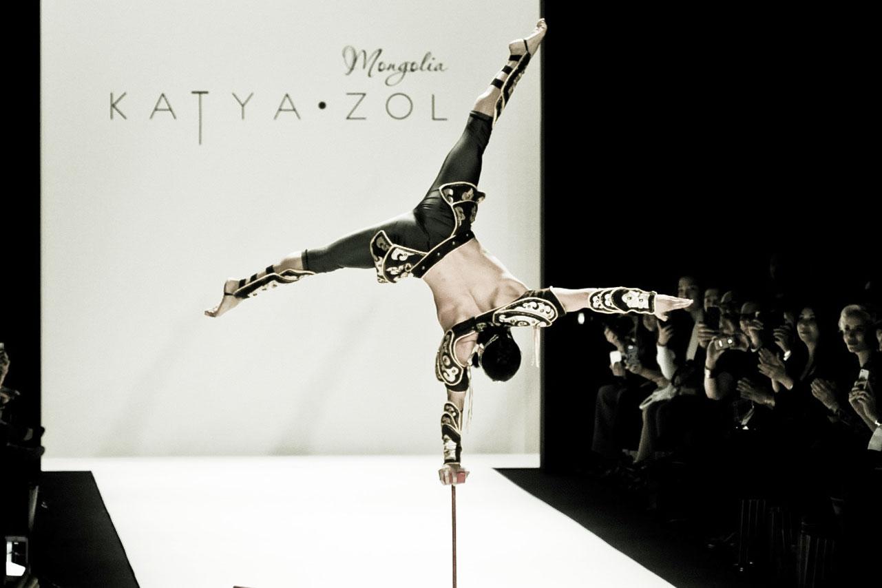 KatyaZol-acrobat6