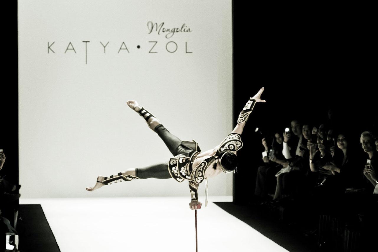 KatyaZol-acrobat7